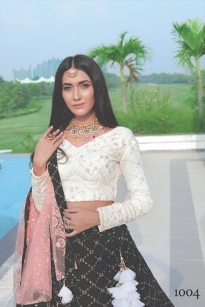 white georgette fabric embroidery work running