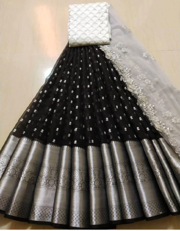 black lehenga -organza silk 3m |blouse -banglori satin 1m |voni -organza 2.20m fabric embroidery work wedding