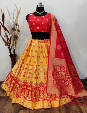 orange lehenga - brocade with cancan inner semi stitch 42 length 42 |blouse - pure silk full stitch 42 |dupatta - pure banarasi silk | type - full stitch fabric weaving jacqaurd  work wedding